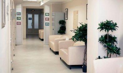 многопрофильная клиника Клиника СМТ на Римского-Корсакова