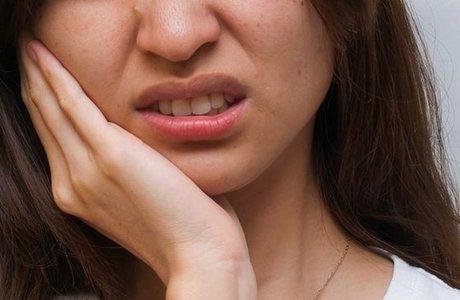 Болезненные ощущения в жевательных мышцах
